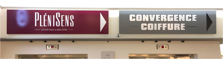 Signalétique directionnelle intérieure pour un centre commercial. Réalisation des sticker.