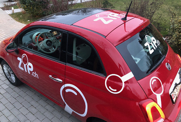 Publicité voiture FIAT 500. Graphisme - Réalisation en découpe adhésive - Pose.