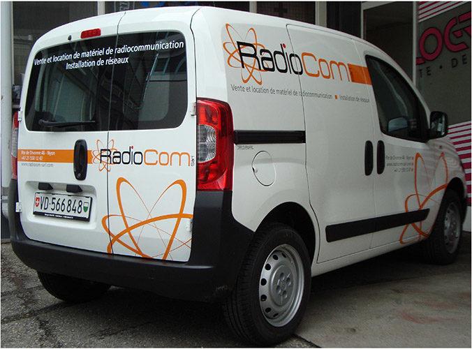 Marquage sur voiture publicitaire CITROEN NEMO. Graphisme & production des adhésifs.