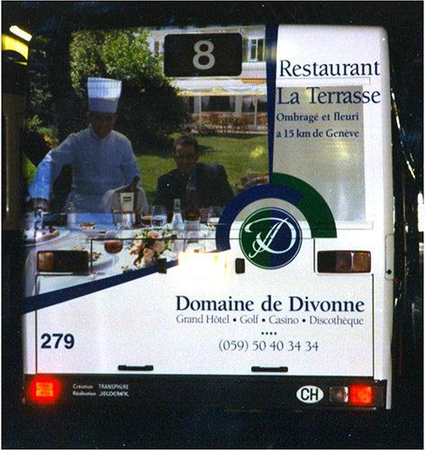 Publicité sur arrière de bus TPG.