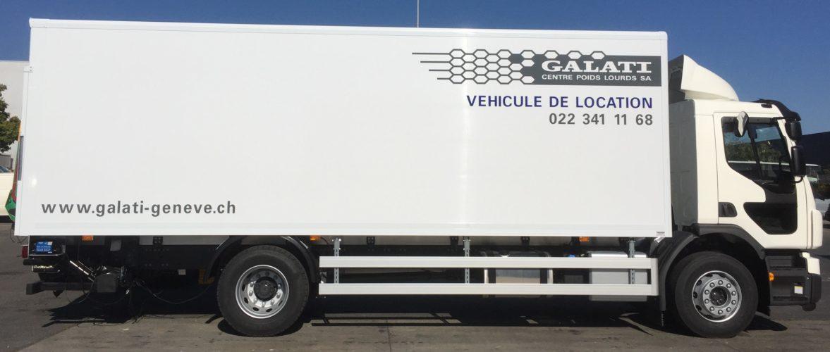 Réalisation et pose de textes + logo sur un camion VOLVO FE
