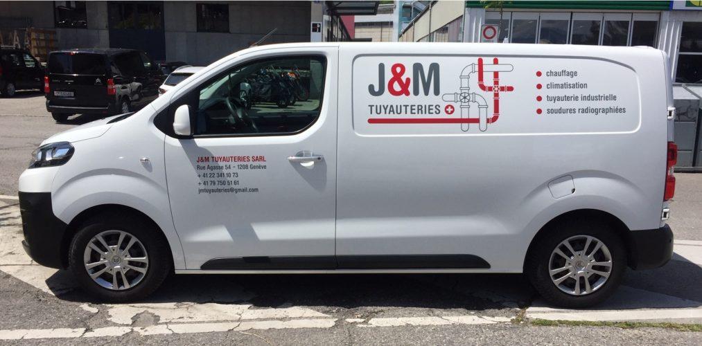 Décoration publicitaire sur véhicule Citroën JUMPY. Réalisation et application des autocollants.